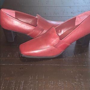 EUC  Liz Baker shoes - size 9.5 - color burgundy
